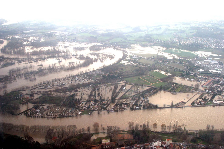 La boucle des Isles sous la crue de 2003